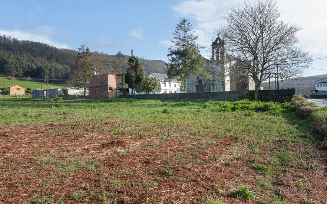 Santa Cruz contará cun novo aparcadoiro a carón da igrexa