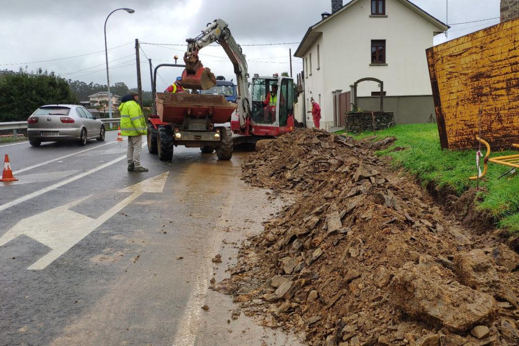 Avanzan a bo ritmo as obras do saneamento de Abade