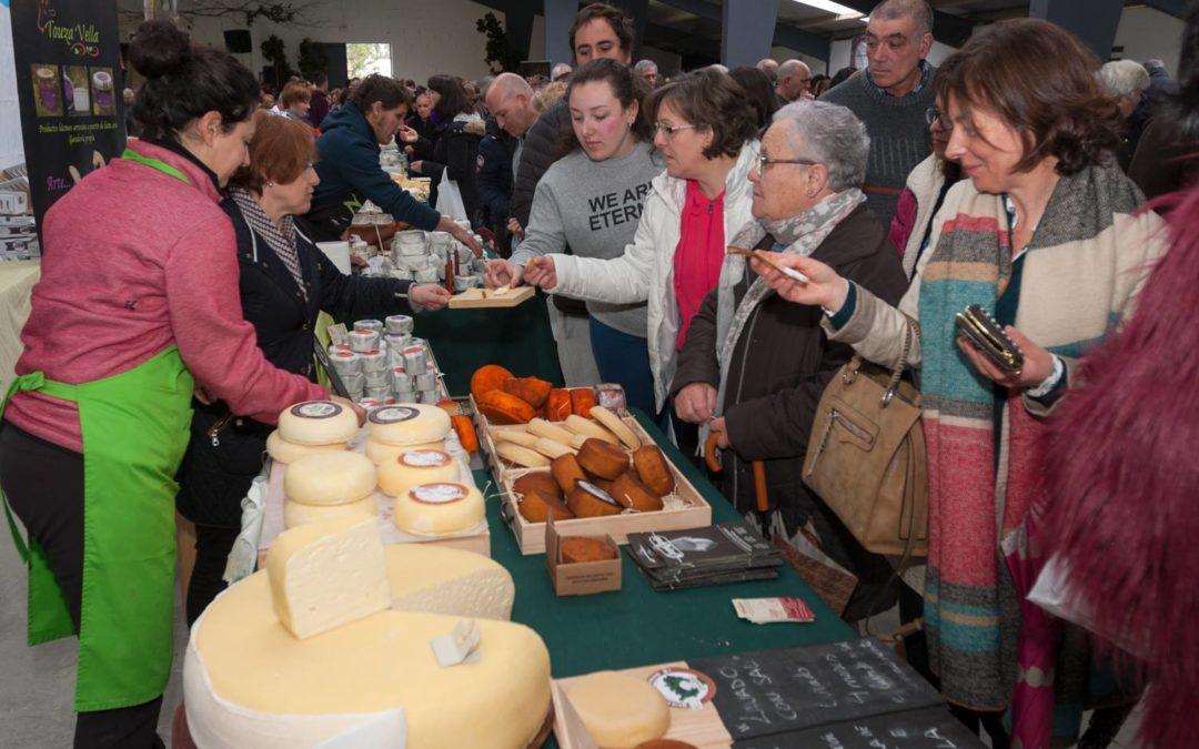 A IV Feira do Queixo inundará Moeche de sabores e aromas este domingo