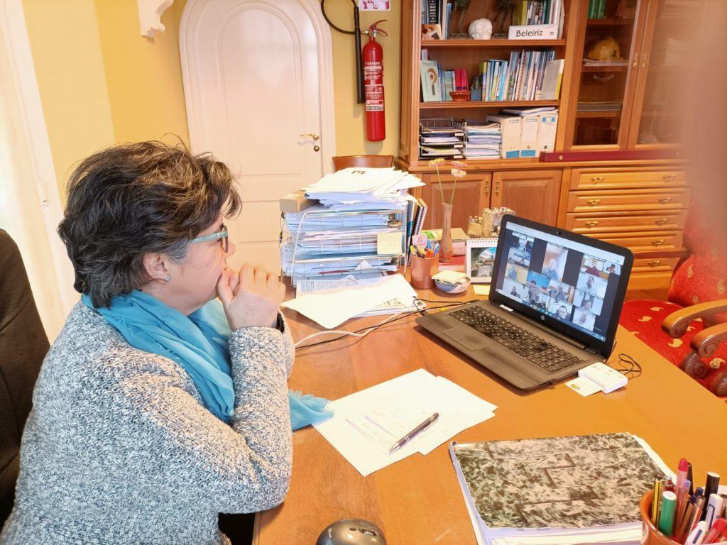 Moeche solicita atención especial para as persoas maiores confinadas soas nos seus domicilios